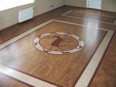 Можно выложить на полу уникальные мозаичные панно