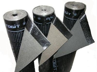 Самый распространенный рулонный материал - рубероид