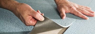 Рулонные ПВХ-покрытия укладываются в стык