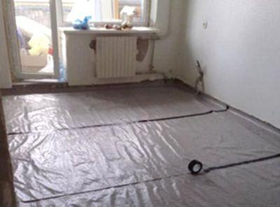 """Подготовка  для укладки """"плавающей"""" стяжки по старому бетонному основанию"""