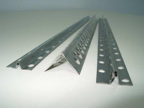 В качестве маяков можно использовать алюминиевый профиль