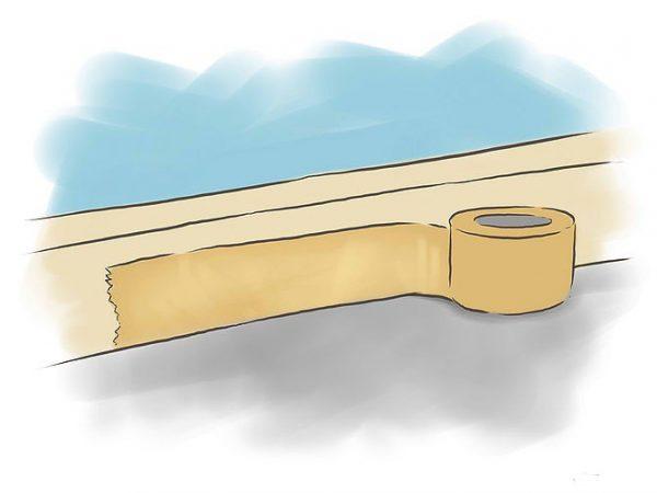 Перед началом работы закройте плинтуса с помощью липкой ленты