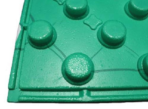 Профильные теплоизоляционные плиты изготавливаются из пенополистирола плотностью 40 кг на метр кубический