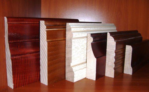 Ассортимент деревянных плинтусов