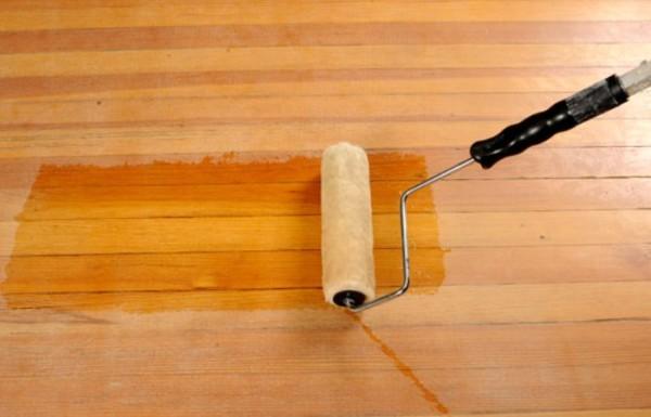 Использование в работе валика позволяет значительно ускорить процесс