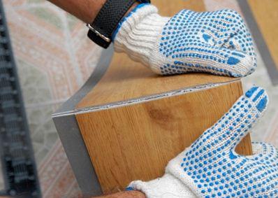 На фото изображено, как правильно резать плитку