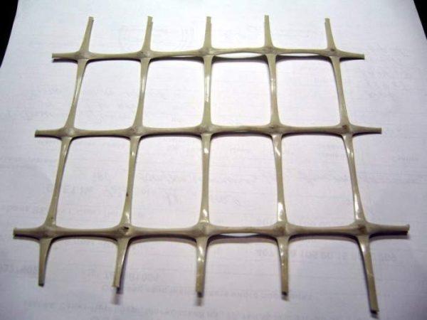 Сетка из пластика  для армирования бетонного пола