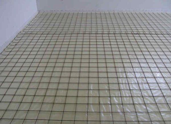 Армирующая сетка поверх плит пенопласта