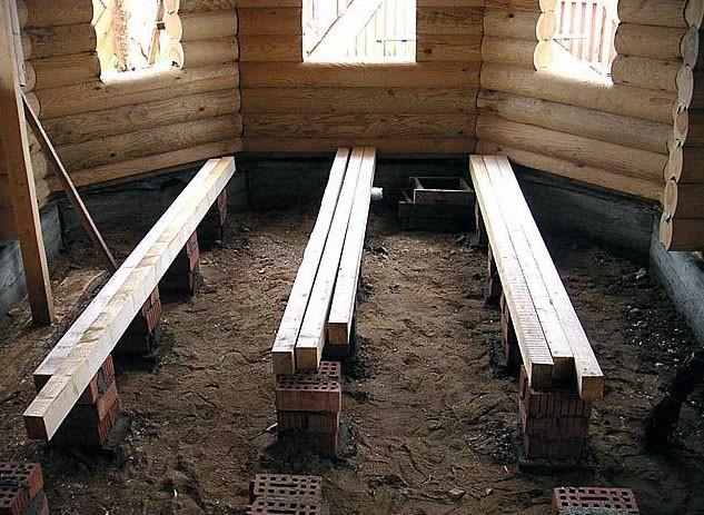В качестве лаг может использоваться деревянный брус прямоугольного сечения