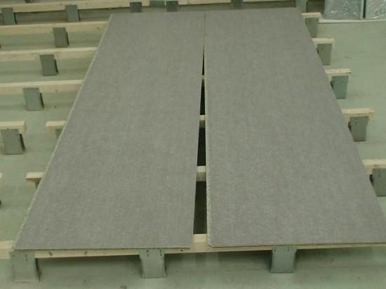 Поверх лаг настилаются доски или листовые материалы