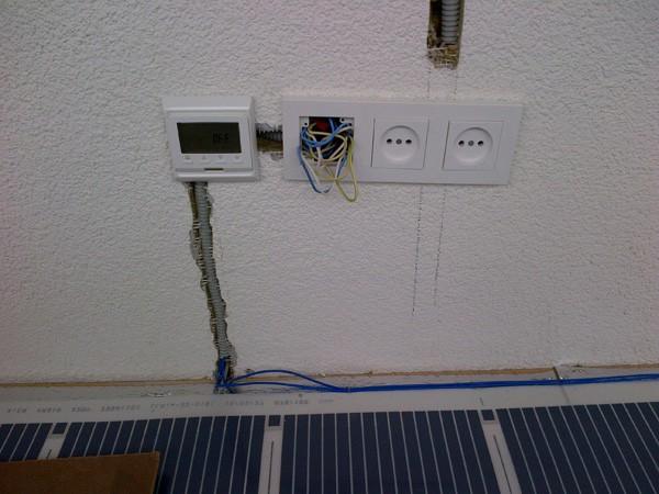 Устанавливаем терморегулятор. Проверяем работоспособность