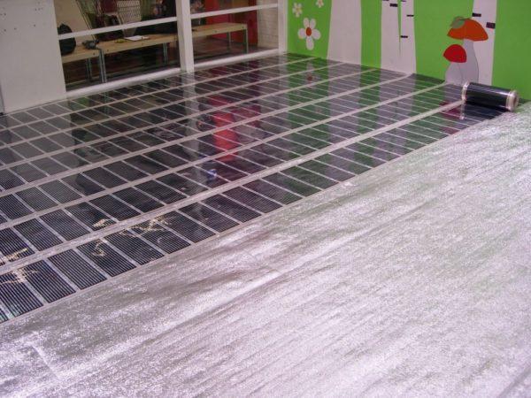 Электрический теплый пол должен быть защищен от влаги