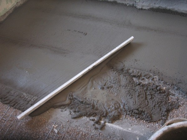 Заливка бетонного пола по грунту