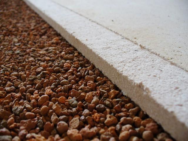 Утепление пола, стен и крыши керамзитом.