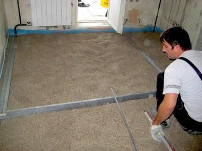 Звукоизоляционные качества керамзита позволят снизить уровень шумов в квартире.