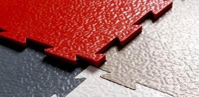 Удобные и красивые модульные покрытия из ПВХ
