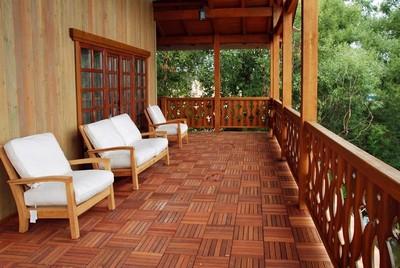 """""""Садовый паркет"""" отлично подходит и для открытых балконов, и для террас"""