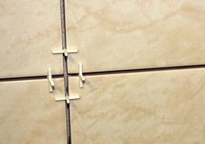 Толщина швов выдерживается с помощью калибровочных крестиков