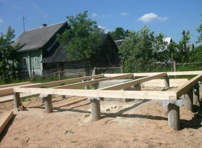 Свайный фундамент для бани с окладным венцом