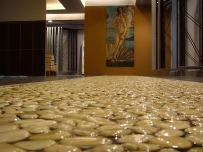 Хороший специалист может превратить наливной полимерный пол  в настоящее произведение искусства