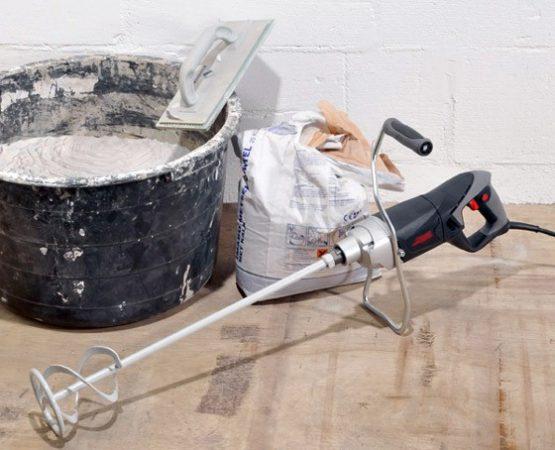 В домашних условиях проще всего использовать для этого дрель с насадкой «миксер»