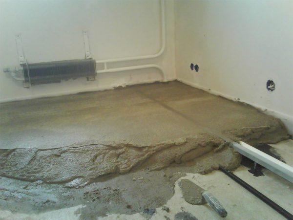 Заливка бетонного пола в квартире