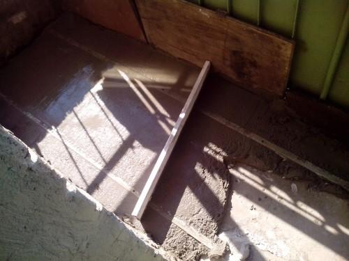 Выравнивание пола на балконе своими руками - три способа!.