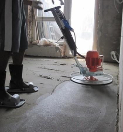 Качество работы будет на порядок лучше, если проводить шлифовку с помощью шлифовальной машины