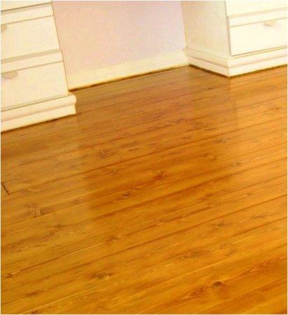 Лакированный деревянный пол - фото