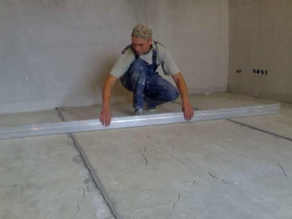 Проверка основания 2-х метровой планкой