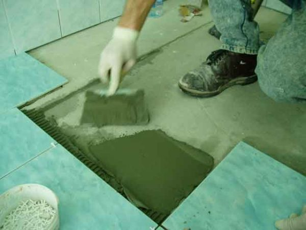 Укладка плитки в ванне
