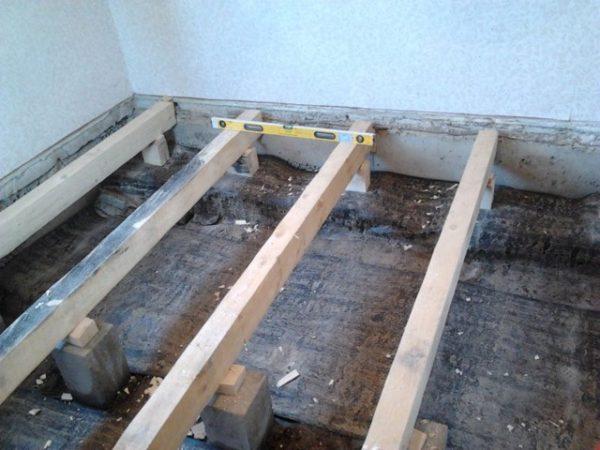 Балки для деревянного пола в бане