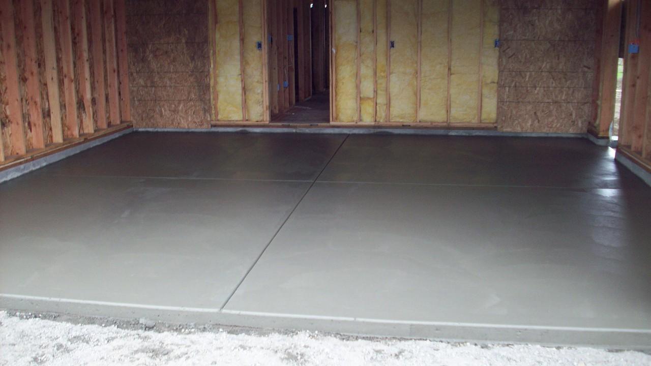 Учимся бетонировать пол в гараже своими руками 26