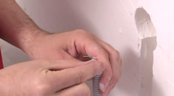 Датчик температуры помещается в гофру