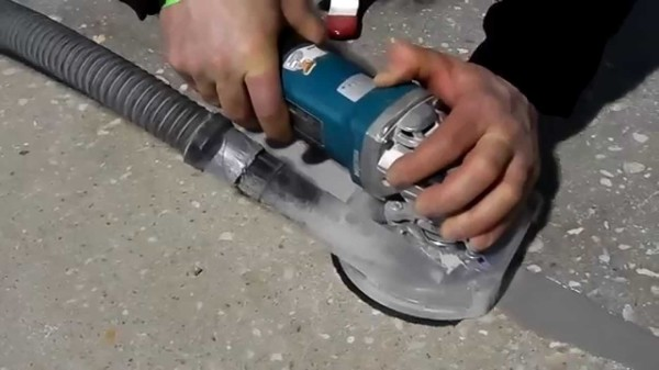 Для шлифовки удобнее использовать ручную машинку