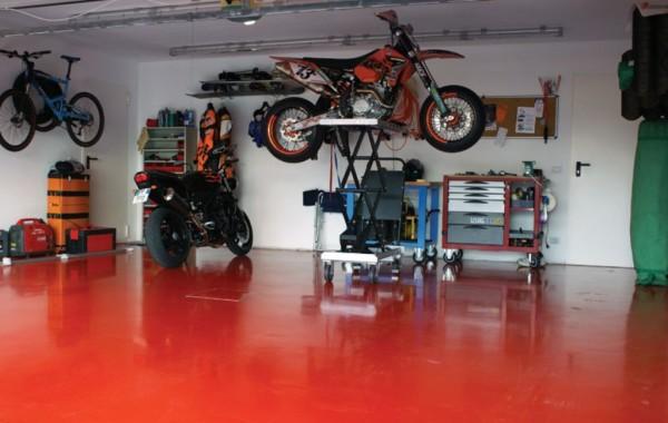 Наливной полимерный пол в гараже