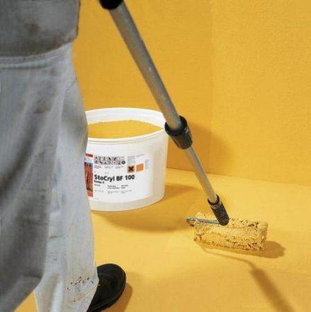 Нанесение краски на бетонное основание