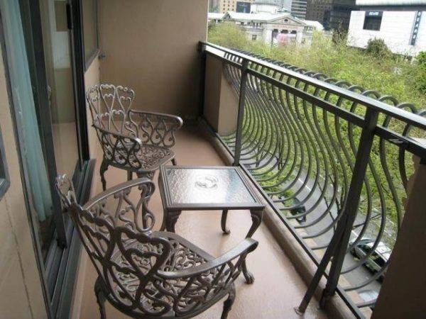Открытые балконы