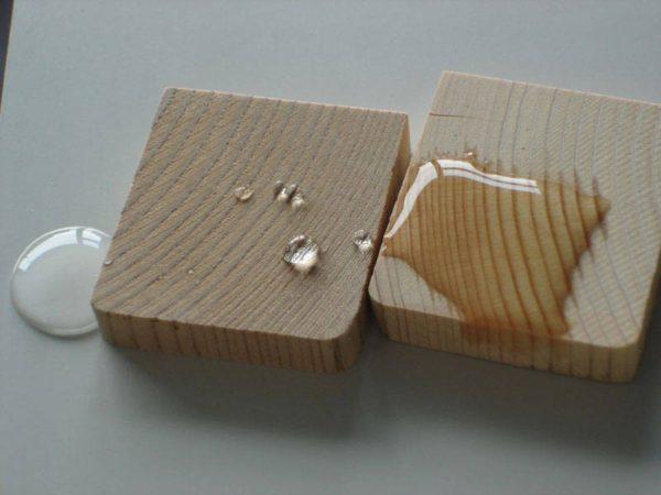 Пропитка древесины улучшит влагостойкость и увеличит срок службы лаг, досок пола
