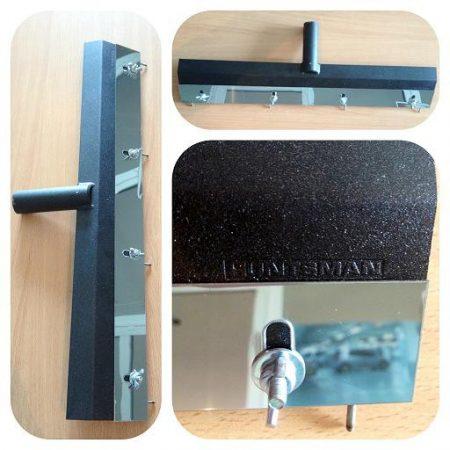 РАКЕЛЬ — специальный шпатель с регулируемым зазором для нанесения наливных полимерных покрытий пола