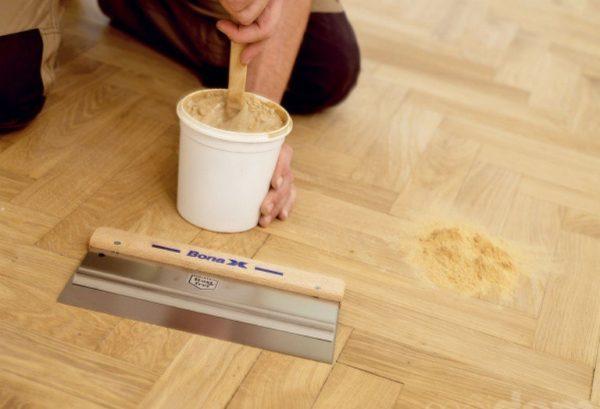 Реставрация деревянного пола позволяет преобразить поверхность