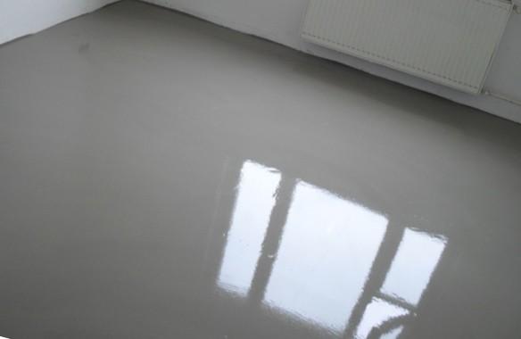 Уровень стяжки должен быть одинаков во всем помещении (квартире, этаже дома)