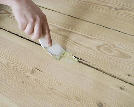Устраняем трещины шпаклевкой