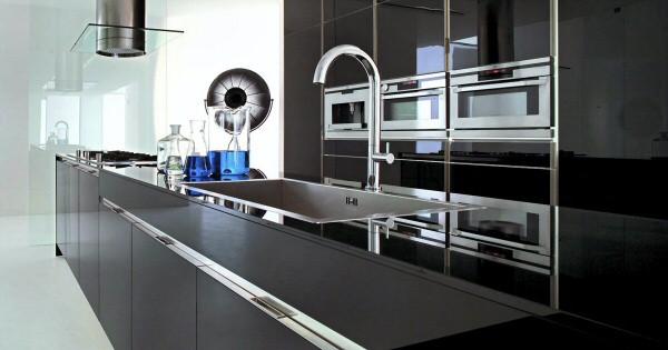 Хай‑Тек в интерьере кухонь