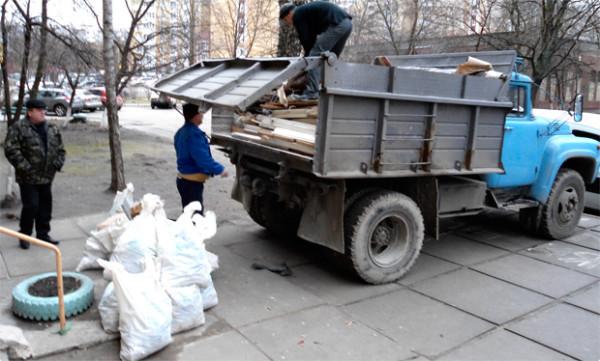 В соответствии с действующим законодательством, строительный мусор должен вывозиться на специализированные свалки