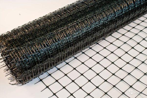 Пластиковая полипропиленовая сетка для армирования представляет собой превосходную альтернативу более традиционным металлическим сеткам