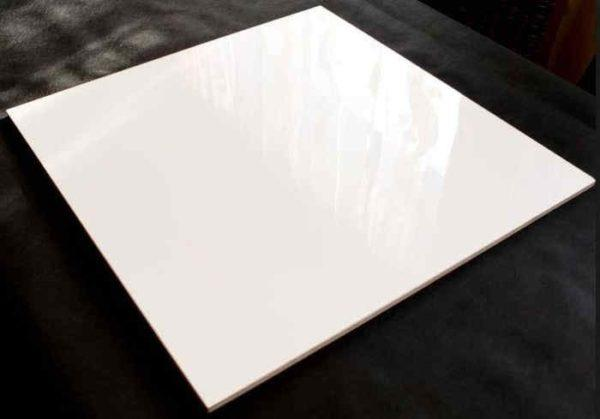 Белый глянцевый керамогранит
