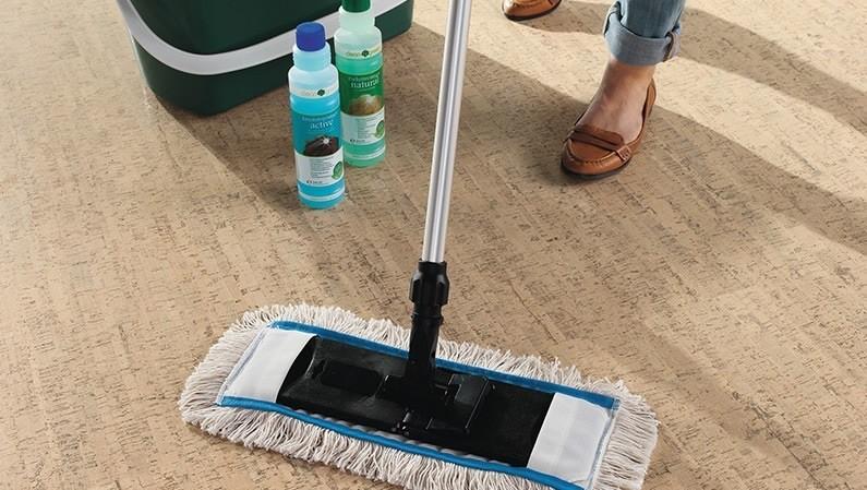 Вымойте пол после шлифовки