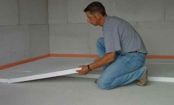Зазор между стеной и пенопластом не обязателен