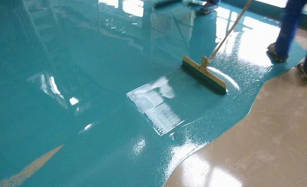 Покрытие бетонного пола в гараже